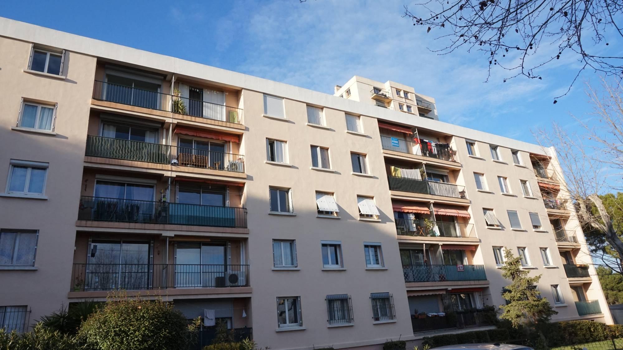 Location appartement grand t4 dans maison marseille 13012 for Appartement dans maison