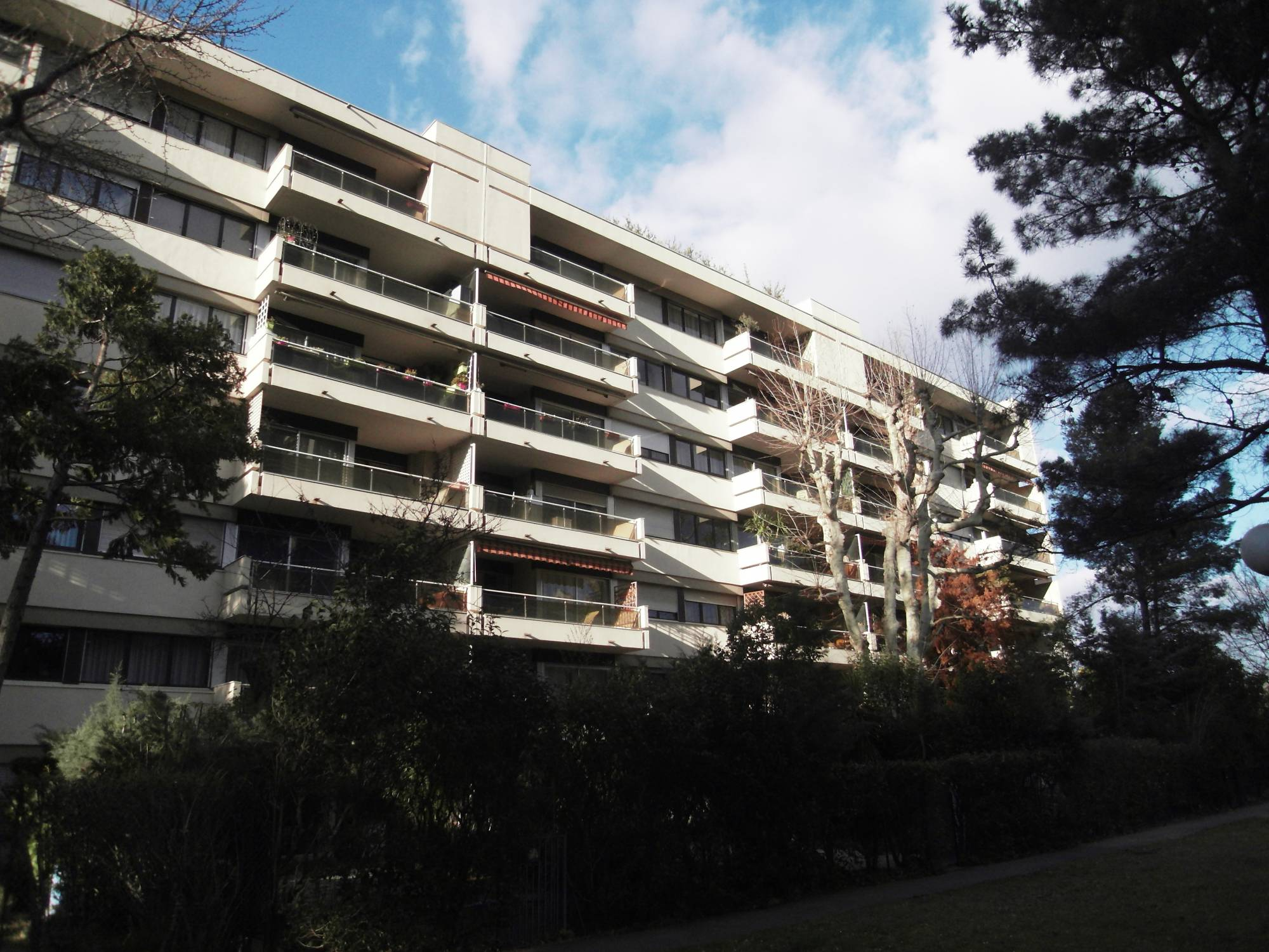 A vendre 13010 Saint Tronc  Appartement 4 chambres avec toit terrasse privatif