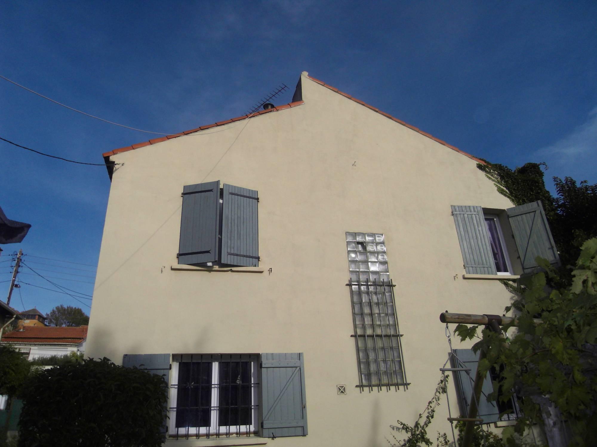 A la vente à Marseille 13014 maison de 120 m², 5 pièces, St Joseph