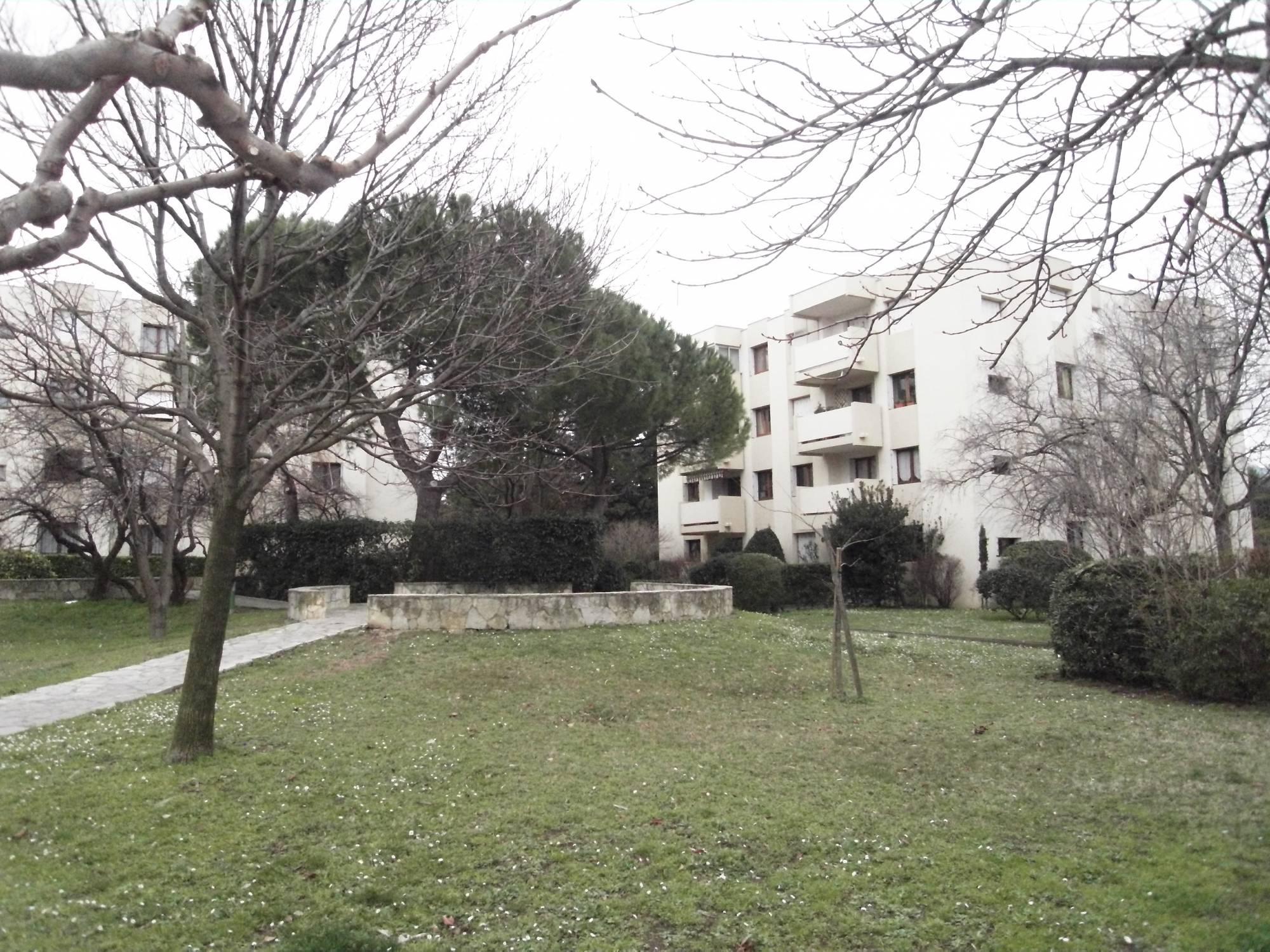 Location appartement type 1 à Sainte Anne Marseille 13008 Entièrement rénové
