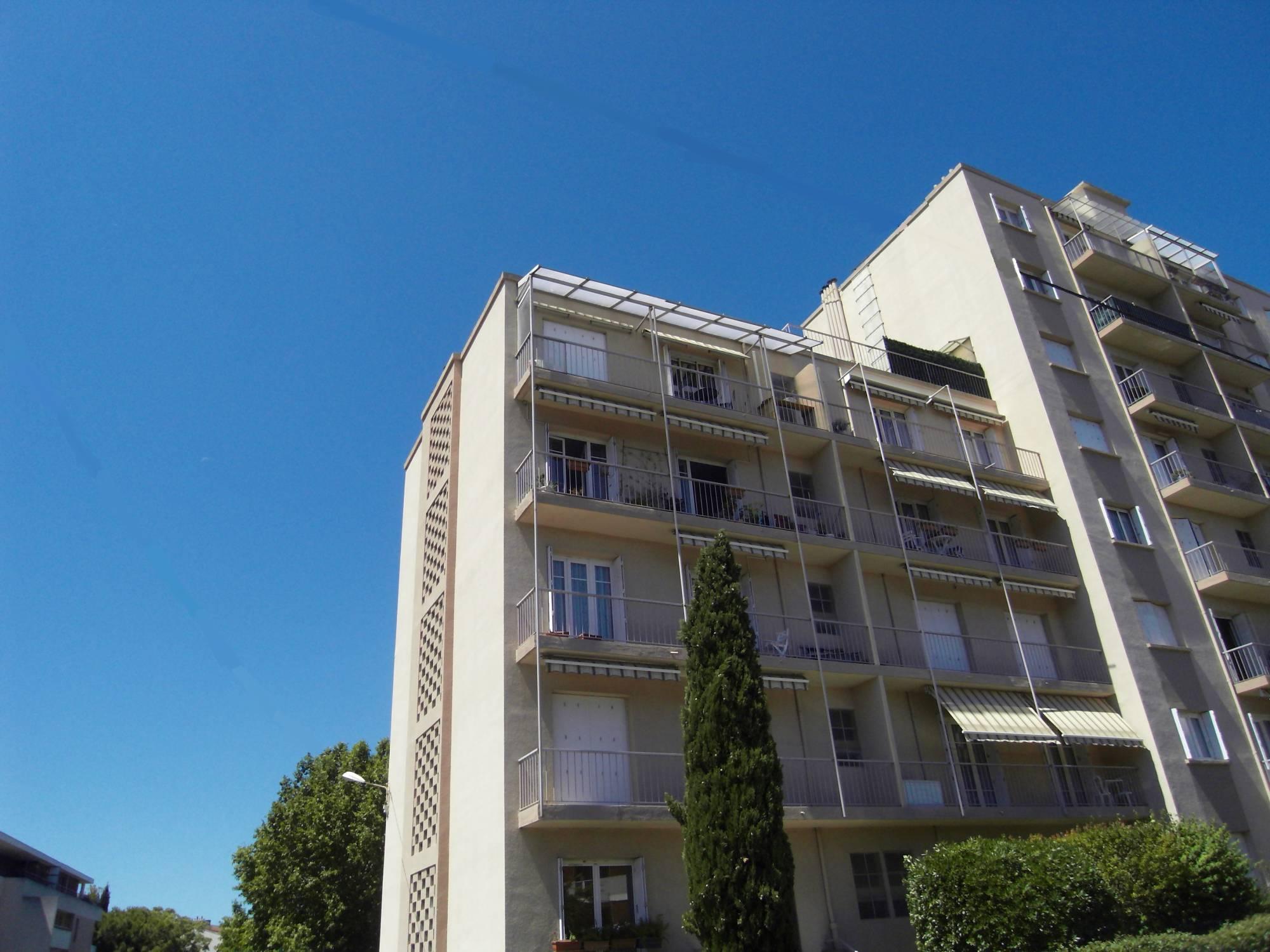 Appartement 4 pièces à vendre Marseille 13004 limitrophe au 12e avec cave