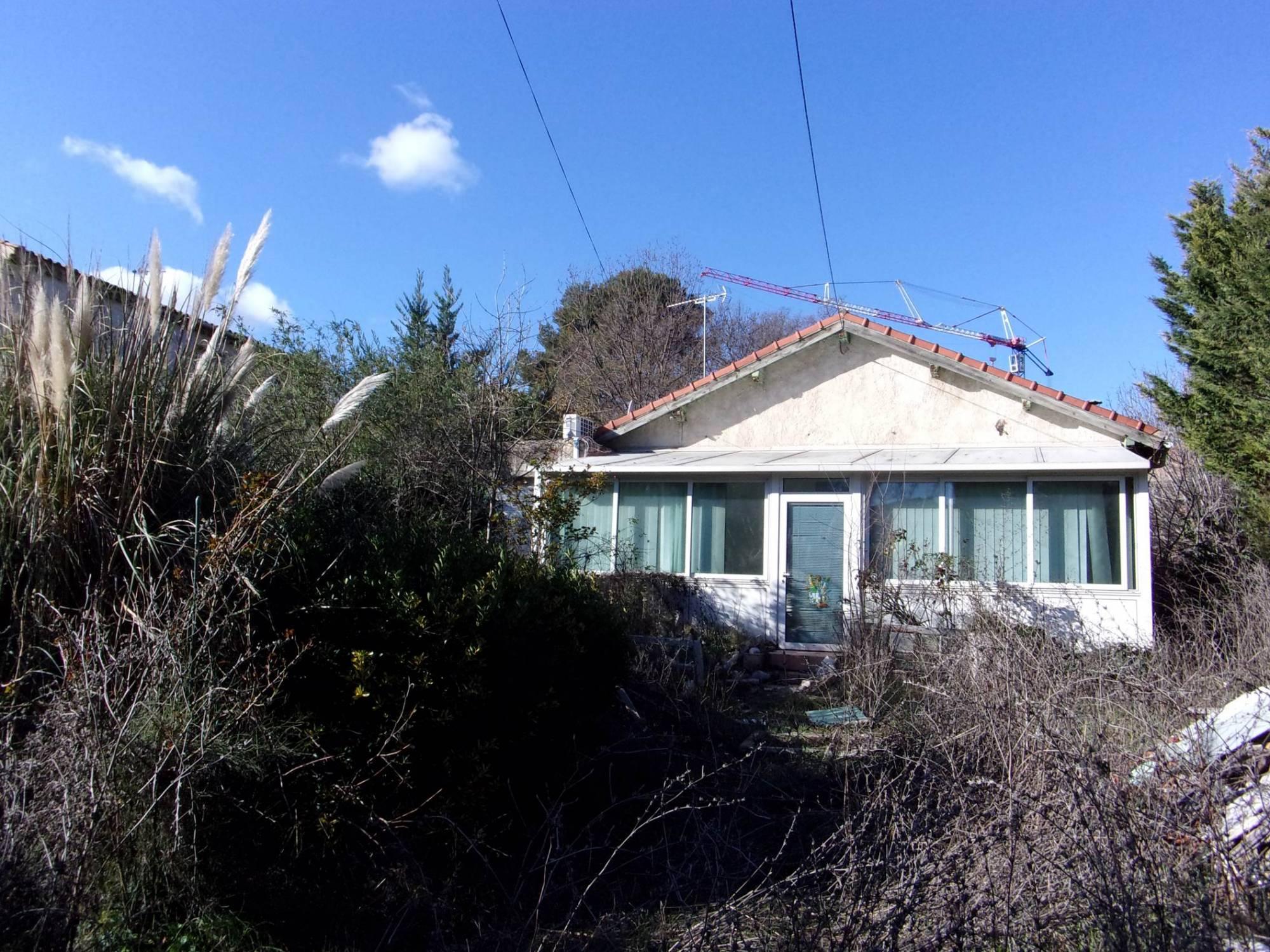 A vendre Secteur Les 4 saisons 13011 MARSEILLE Maison type 3 à rénover entièrement