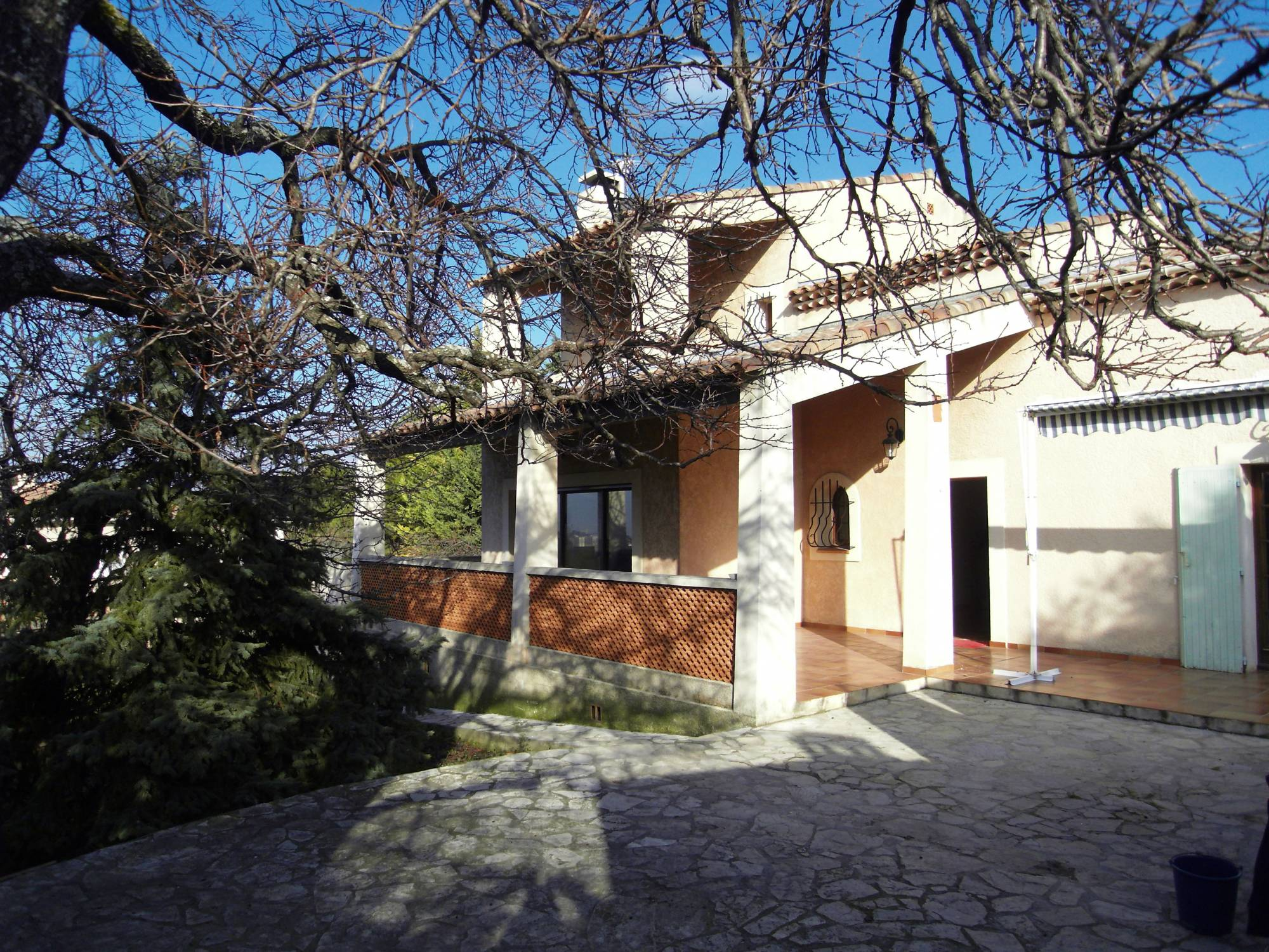 LOCATION VILLA