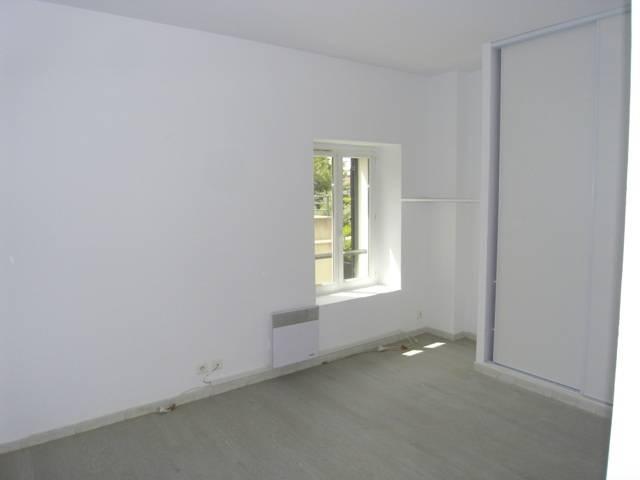 Location à Marseille 13012 appartement t2 refait neuf