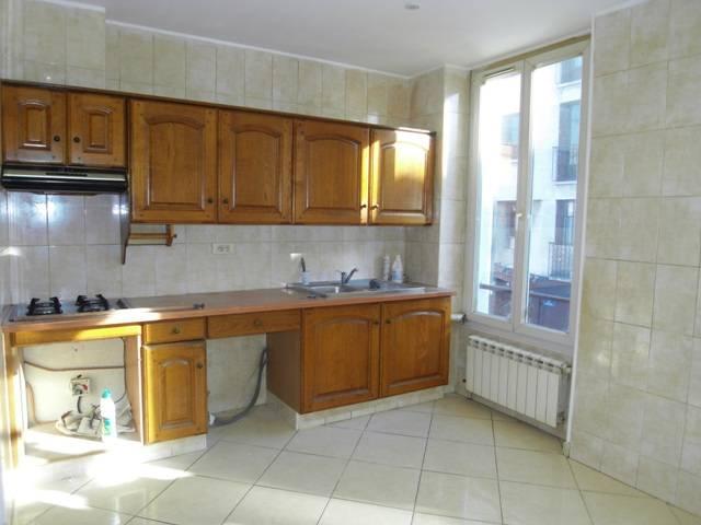 Appartement t2 à louer centre du village St Barnabé Marseille 12