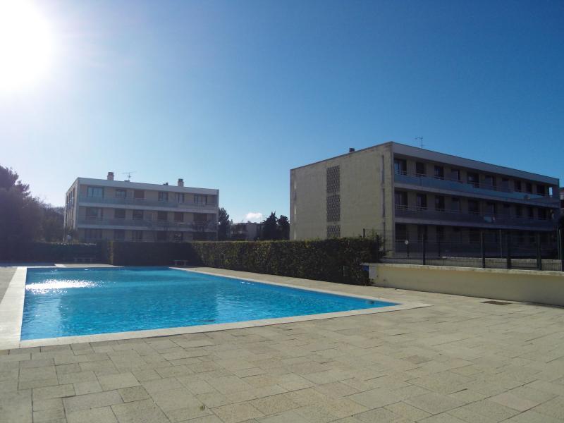 A la location marseille 13012 saint julien appartement 2 pi ces avec jardin piscine et tennis - Residence avec piscine marseille ...