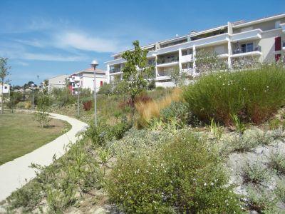 a louer 13380 plan de cuques la montade appartement t2 avec terrasse 52 m et parking privatif